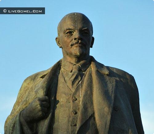 Памятник Ленину в Гомеле