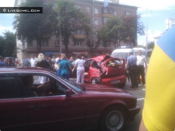 Lexus авария на ул. Советская 16 июля 2012