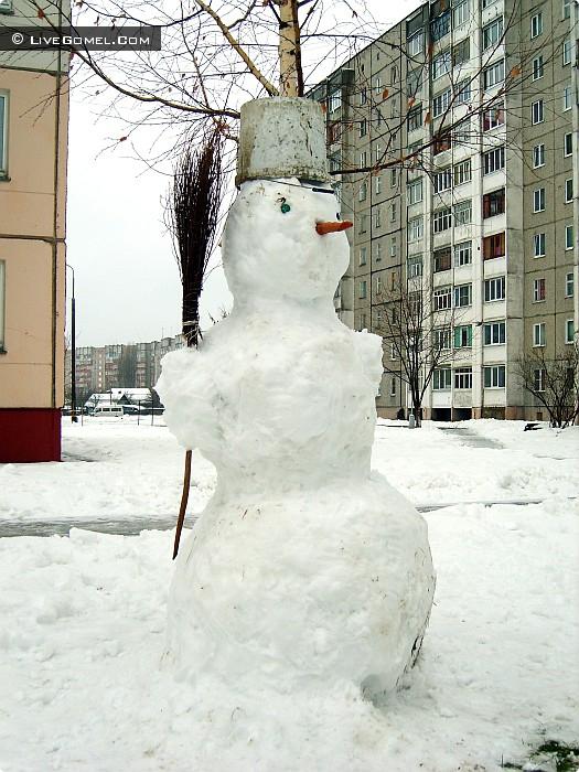 Классика детского зимнего творчества.