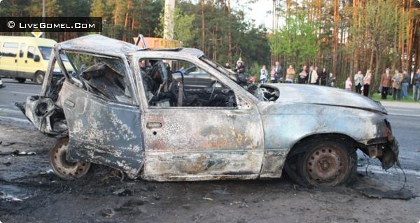 В аварии в Гомеле заживо сгорел человек