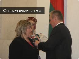 Жительницу Гомеля наградили Орденом Матери