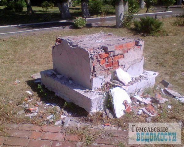 Украли скульптуры возле 3 школы в Гомеле