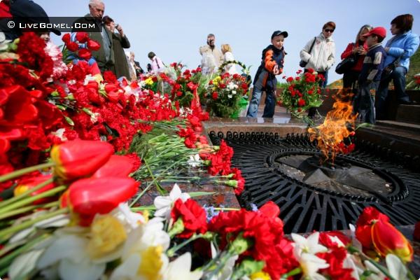 Районный митинг и возложения венков и цветов (Железнодорожный район)
