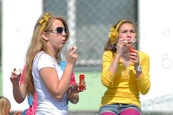 В день последнего звонка школьникам расскажут, чем заняться на каникулах, и предложат сыграть в «Формулу безопасности»