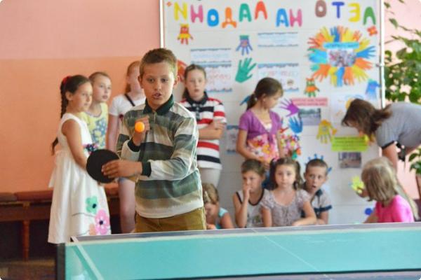 Около 50 воспитанников школы №17 Гомеля трудятся и отдыхают в пришкольном лагере