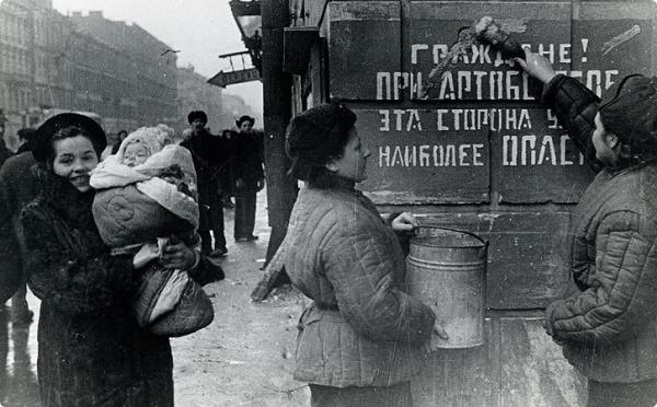 Фото, на которые невозможно смотреть без содрогания. Гомельчанам покажут снимки блокадного Ленинграда