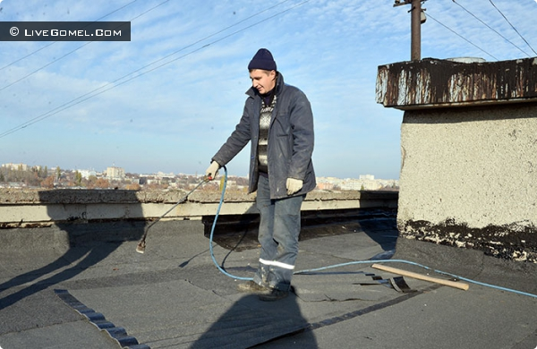 Чердаки под замком? Без разрешения на крыши проникают любители селфи и... связисты