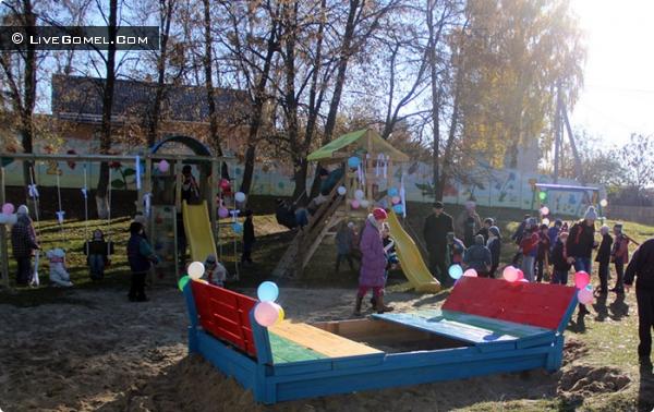 Юлия Перегудова открыла игровую площадку ученикам Улуковской школы-интернат