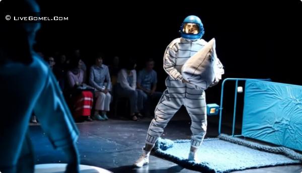 Уникальные показы спектакля Купаловского театра «Радзіва «Прудок» прошли на Полесье