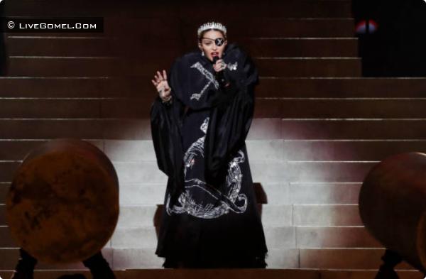 Мадонна выступает в Израиле