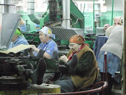 Не найдя понимания у руководства завода, рабочие написали жалобу Президенту